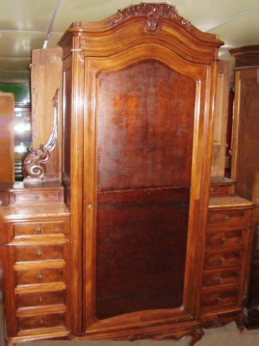 Muebles de estilo - Ropero antiguo ...